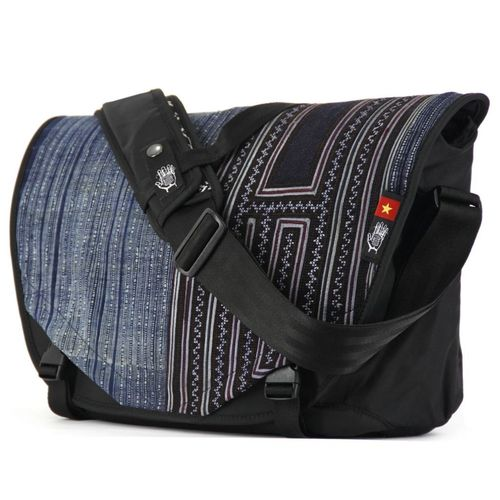Acaat Messenger Bag